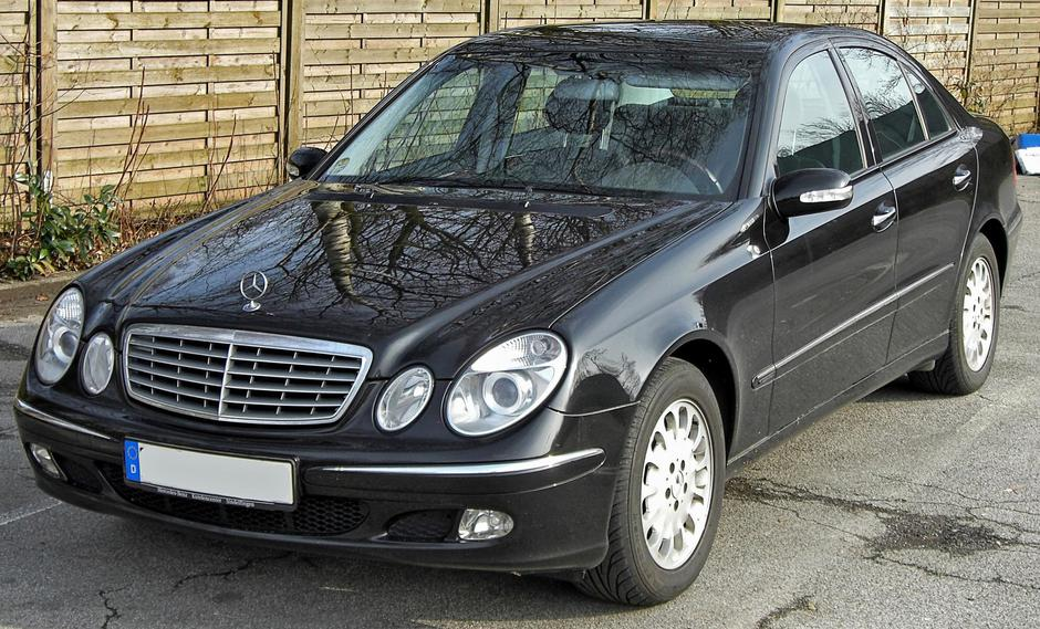 Mercedes E klase | Author: Matthias93/ public domain