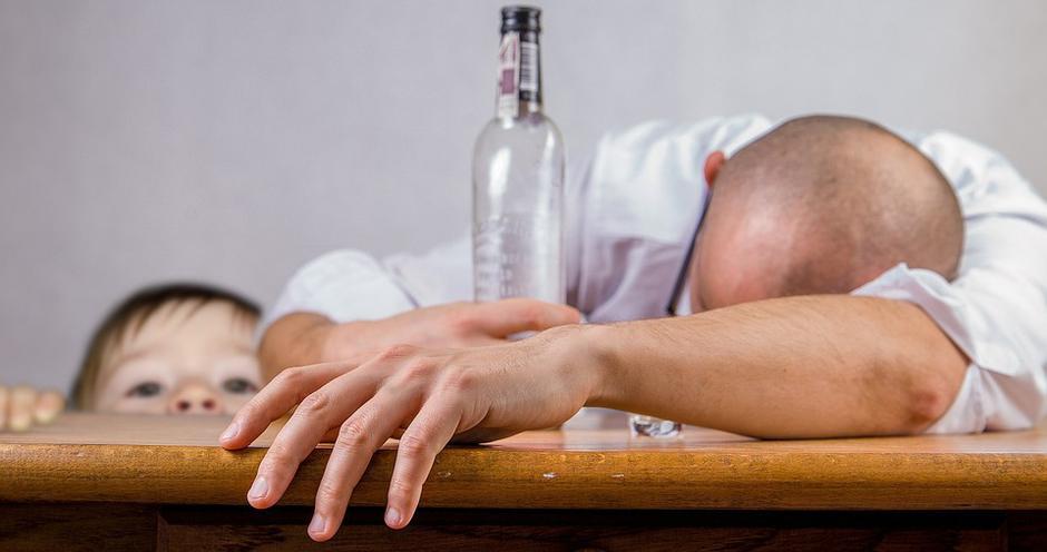 Alkoholizam   Author: Pixabay