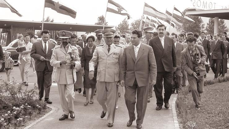 Tito u Kopru