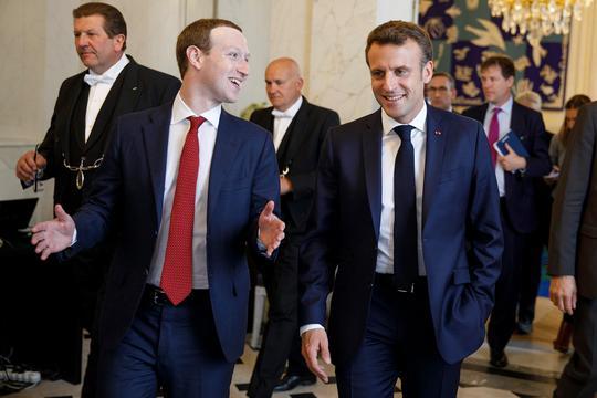 Mark Zuckerberg i Emmanuel Macron