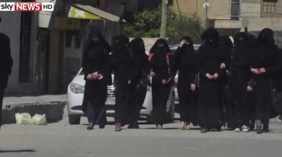 ISIL ova ženska policija za moral   Author: YouTube