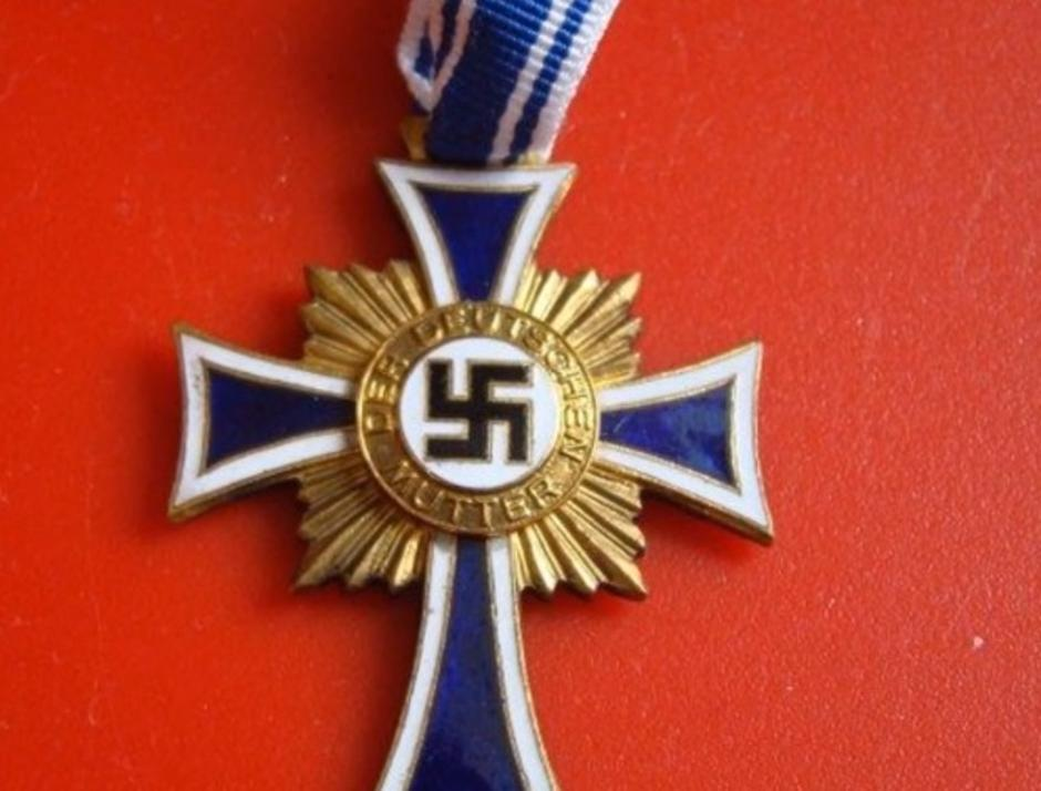 Majčinski križ koji je Hitler dodjeljivao ženama | Author: screenshot/youtube