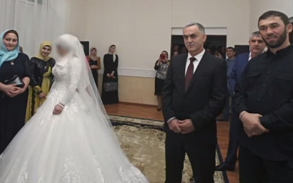 Užas: Tinejdžerice prisiljavaju na udaju za 30 godina starije ...