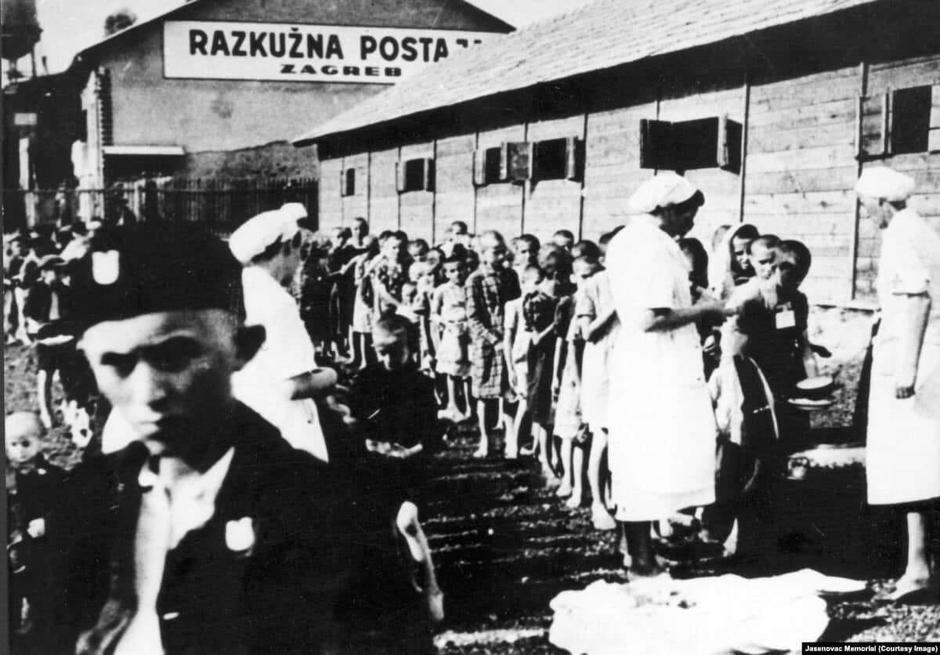 Kozaračka djeca u ustaškom logoru gdje su ih izgladnjivali, tukli i ubijali | Author: public domain