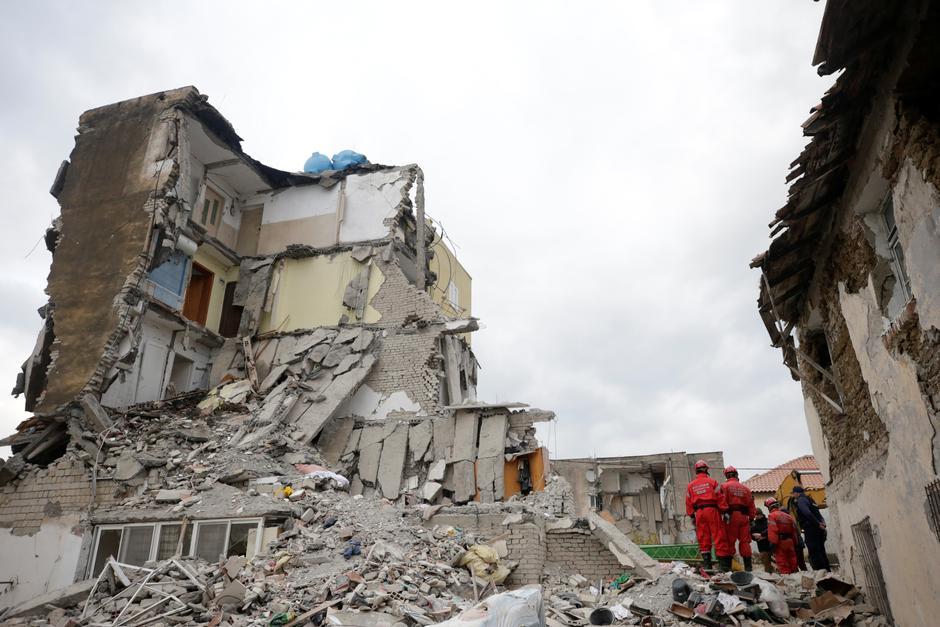 Srušene zgrade u potresu u Albaniji | Author: REUTERS
