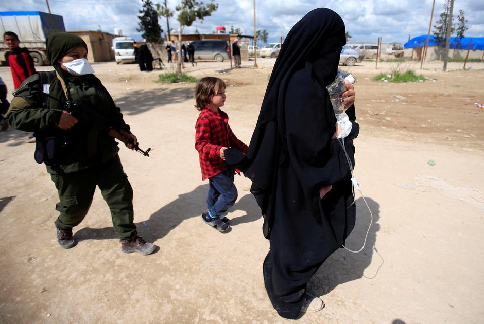 Supruge i djeca poginulih i izbjeglih ISIL-ovaca na liječenju u logoru al Hol u Hasaki u Siriji   Author: Ali Hashisho/ Reuters/ Pixsell