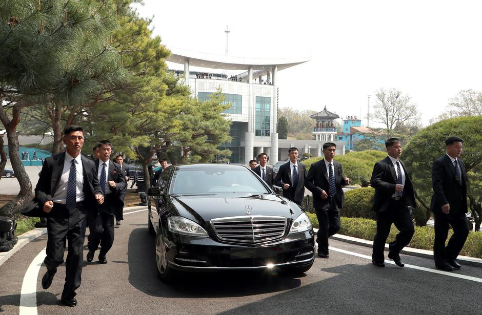 Tjelohranitelji Kim Jong Una | Author: REUTERS