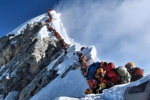 Velika gužva za uspon na Mount Everest