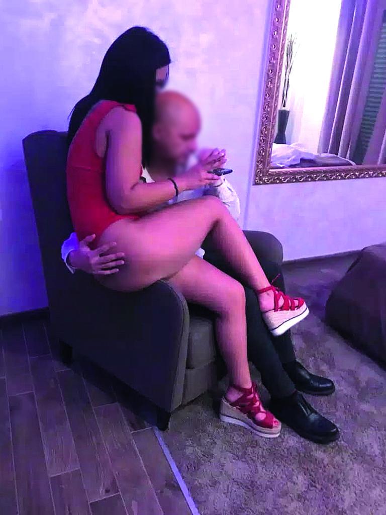 seks masaža u Rimu besplatno goli lezbijski seks videa