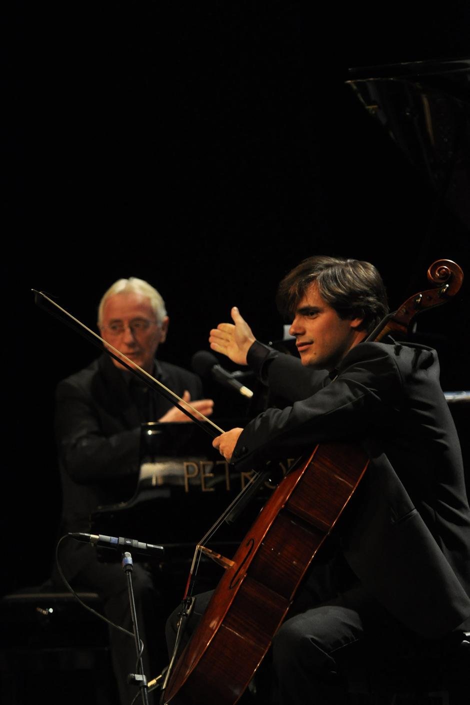 Oliver i Stjepan Hauser za Božić 2011. u Puli   Author: Duško Marušić/Pixsell