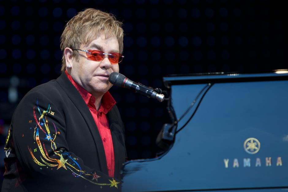 Elton John | Author: By Ernst Vikne - originally posted to Flickr as Elton John in Norway, CC BY-SA 2