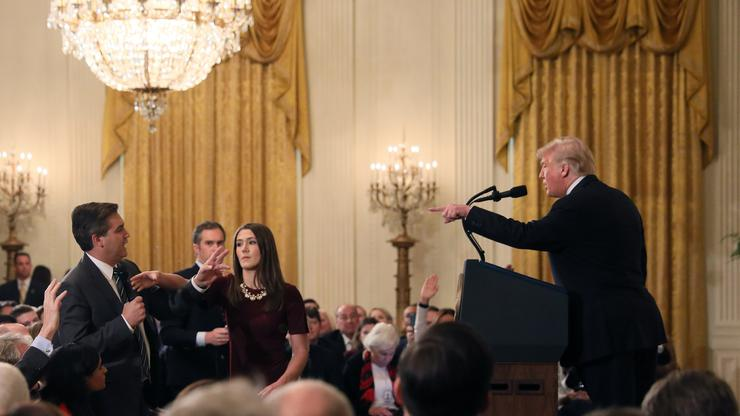 Novinar CNN-a Jim Acosta i Donald Trump