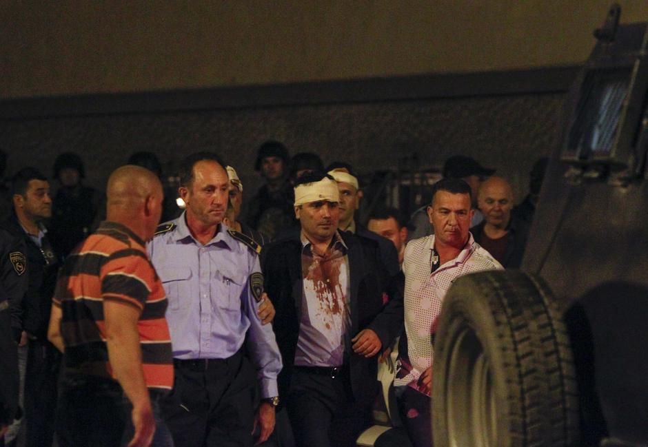 Vođa parlamentarne većine Zoran Zaev nakon pokušaja linča u parlamentu u Skopju | Author: OGNEN TEOFILOVSKI/REUTERS/PIXSELL