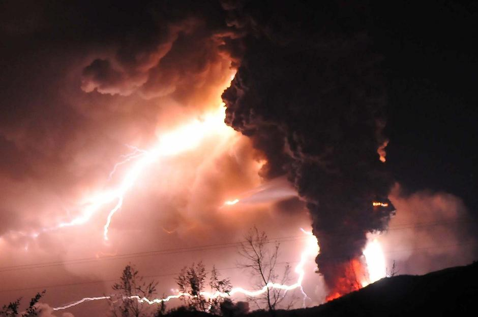 Eurpcija vulkana s munjama | Author: BigPictures/PIXSELL