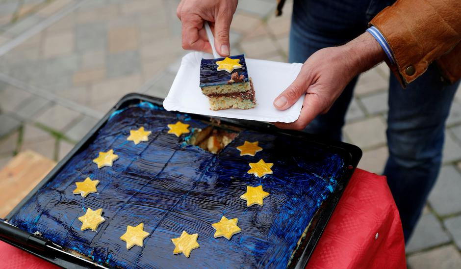 Torta EU   Author: Fabrizio Bensch/REUTERS/PIXSELL
