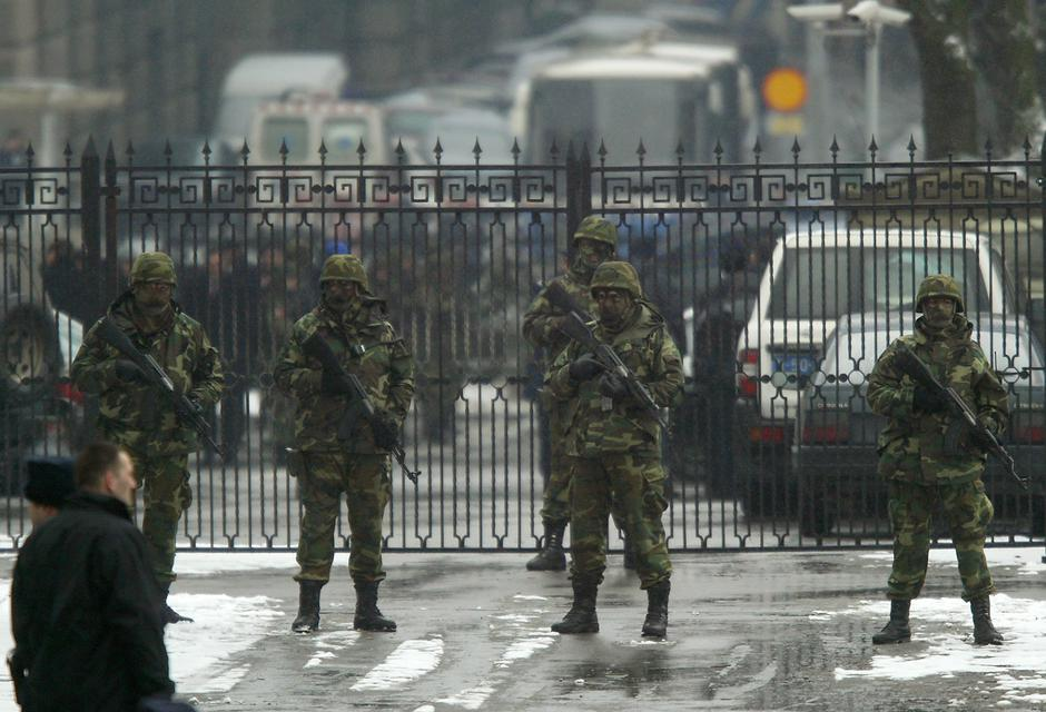 Milorad Ulemek na rekonstrukciju ubojstva Zorana Đinđića doveden je pod najstrožom pratnjom | Author: Reuters/ Marko Djurica