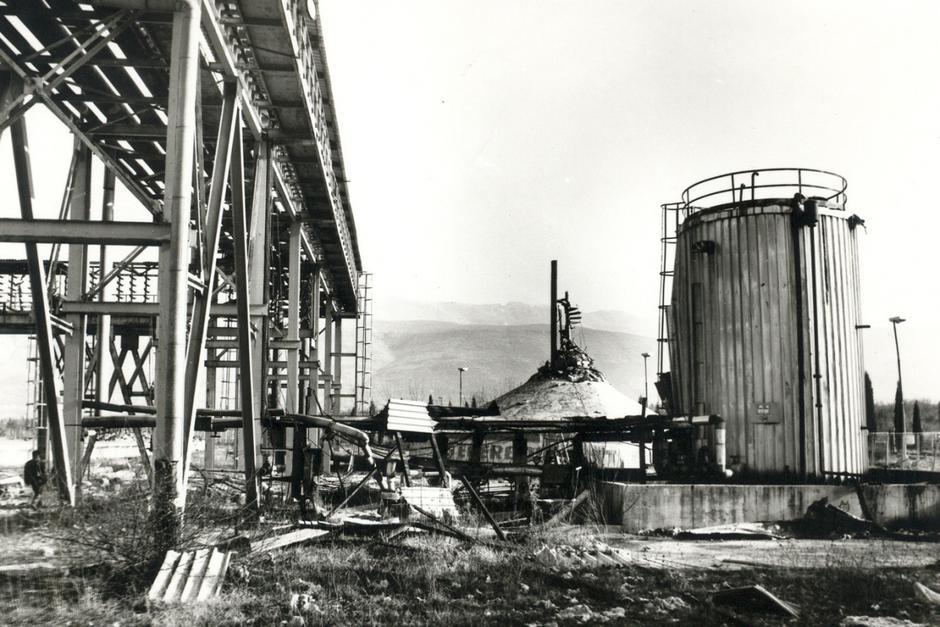 Ratna razaranja mostarskog Aluminija | Author: Aluminij