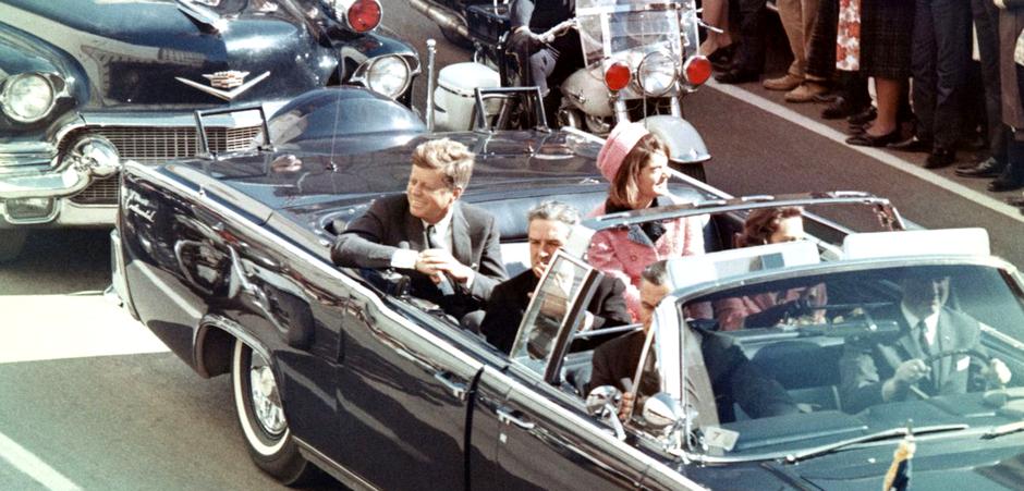 JFK u limuzini prije ubojstva | Author: Walt Cisco, Dallas Morning News